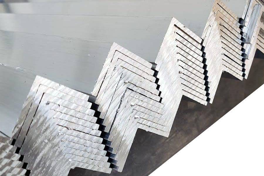 Aluminum profile milling at ALUVERK